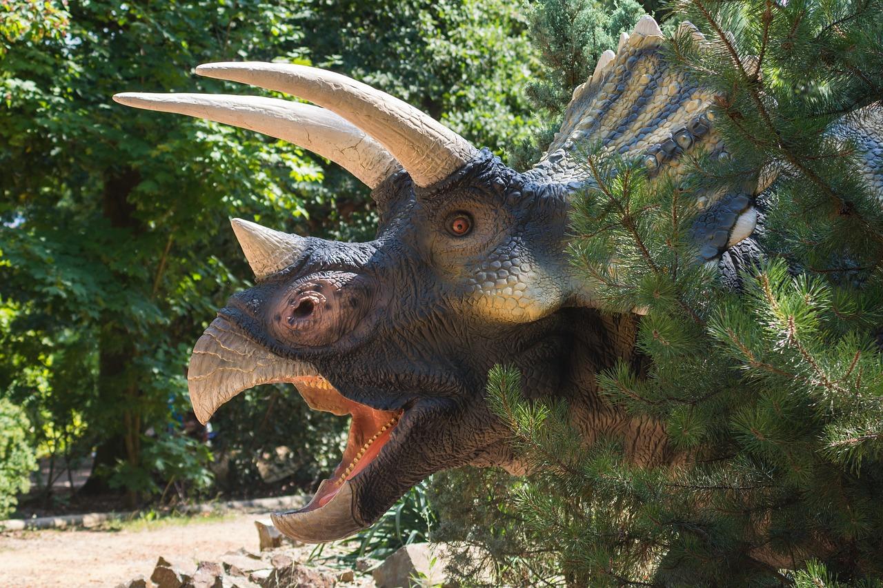 dinosaur-3581863_1280